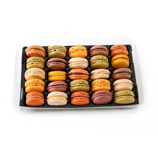26 macarons